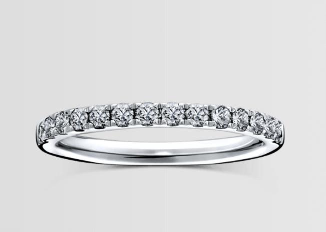 ラザールダイヤモンドのフルエタニティの結婚指輪