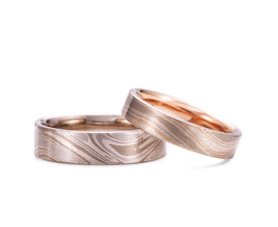 ケイウノの木目の結婚指輪
